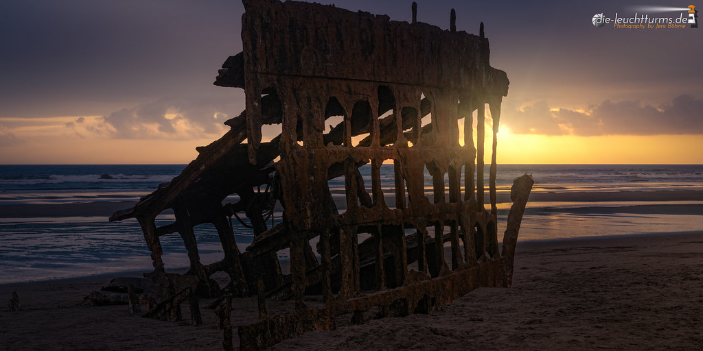 Sunset on wreck of Peter Iredale