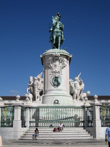 Estatua Ecuestre de José I en la Plaza del Comercio. ViajerosAlBlog.com.
