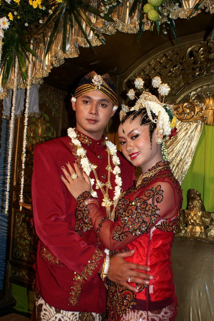 Indonesian Couple Wedding Dress