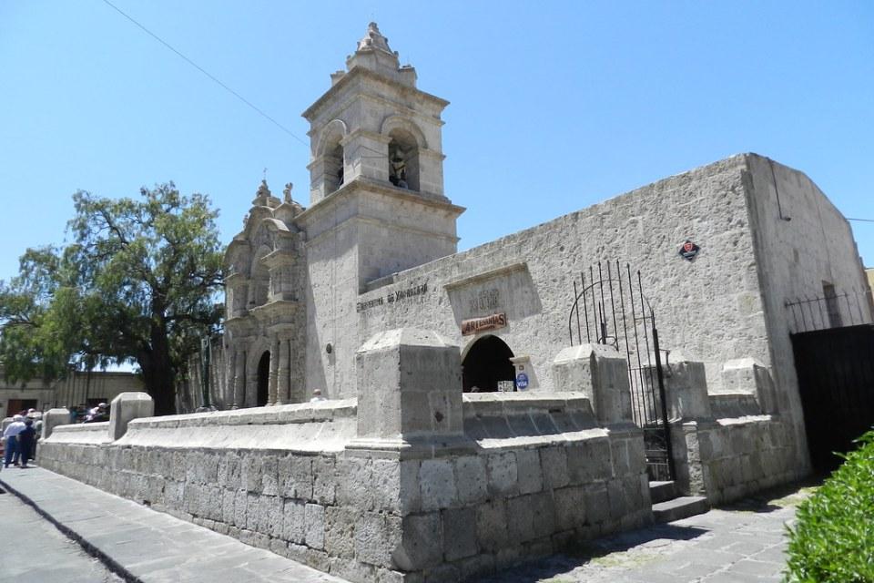 Arequipa Iglesia San Juan Bautista de la Yanahuara Peru 01