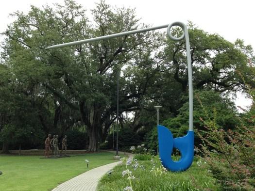 Claes Oldenburg and Coosje van Bruggen, Corridor Pin, Blue, Sydney and Walda Besthoff Sculpture Garden