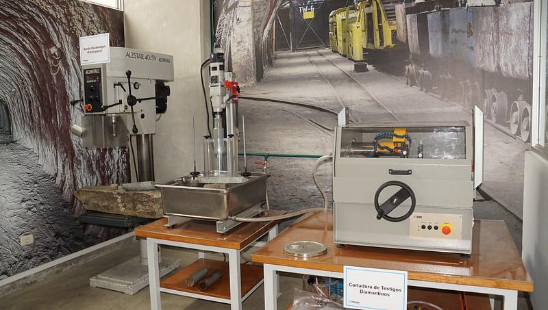 Tecsup inaugura laboratorio de mecánica de rocas