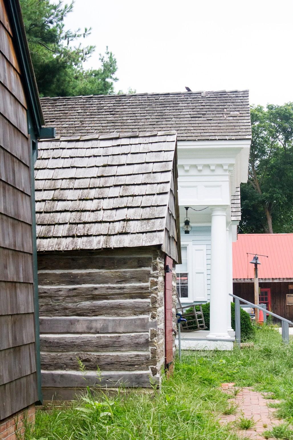 slave-hut-lewes-historical-5