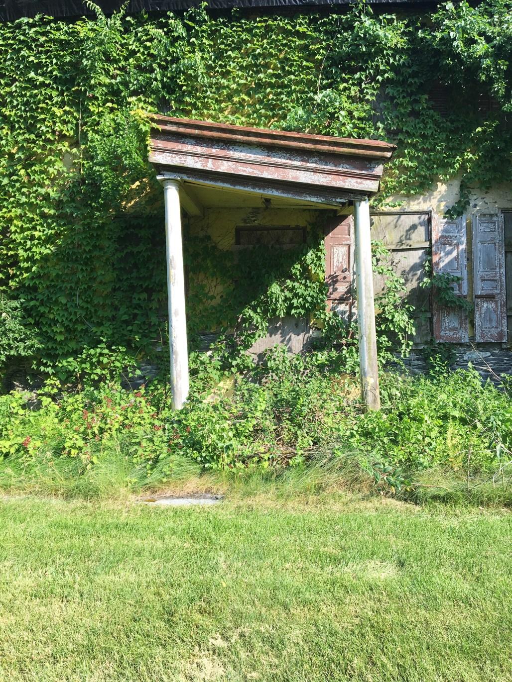 richard-ashbridge-mansion-exton-front door