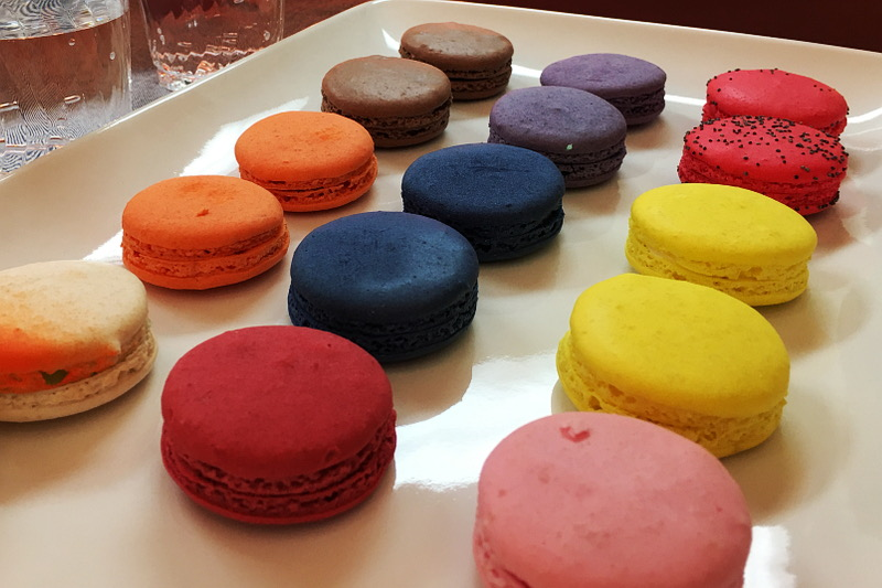 macarons-modcloth-irl-pop-up-shop-6