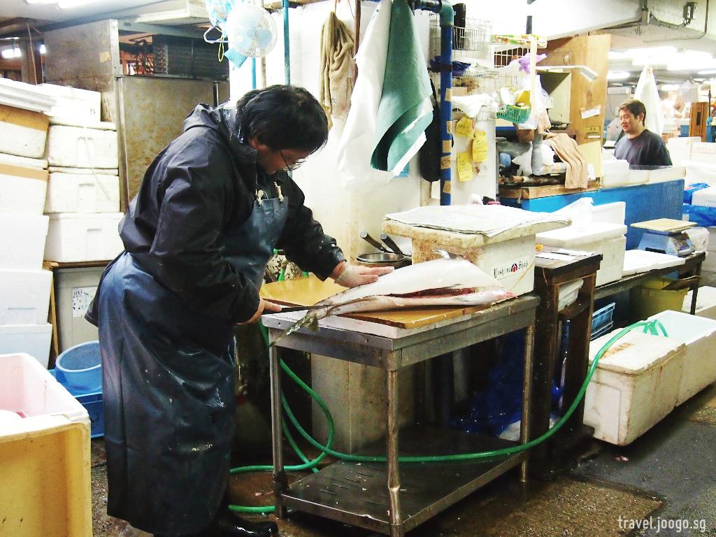 Tsukiji Fish Market 5 - travel.joogo.sg
