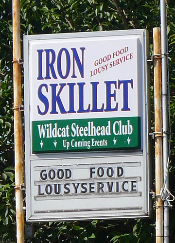 Iron Skillet - Good Food, Lousy Service