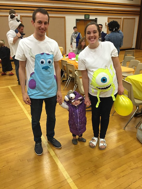 halloween costumes for pregnant mom and toddler