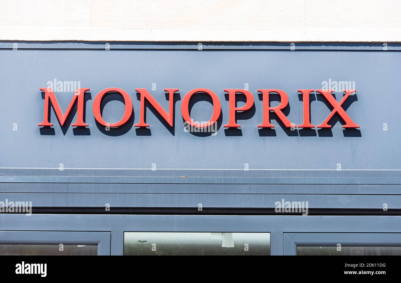 Monoprix High Resolution Stock Photography And Images Alamy