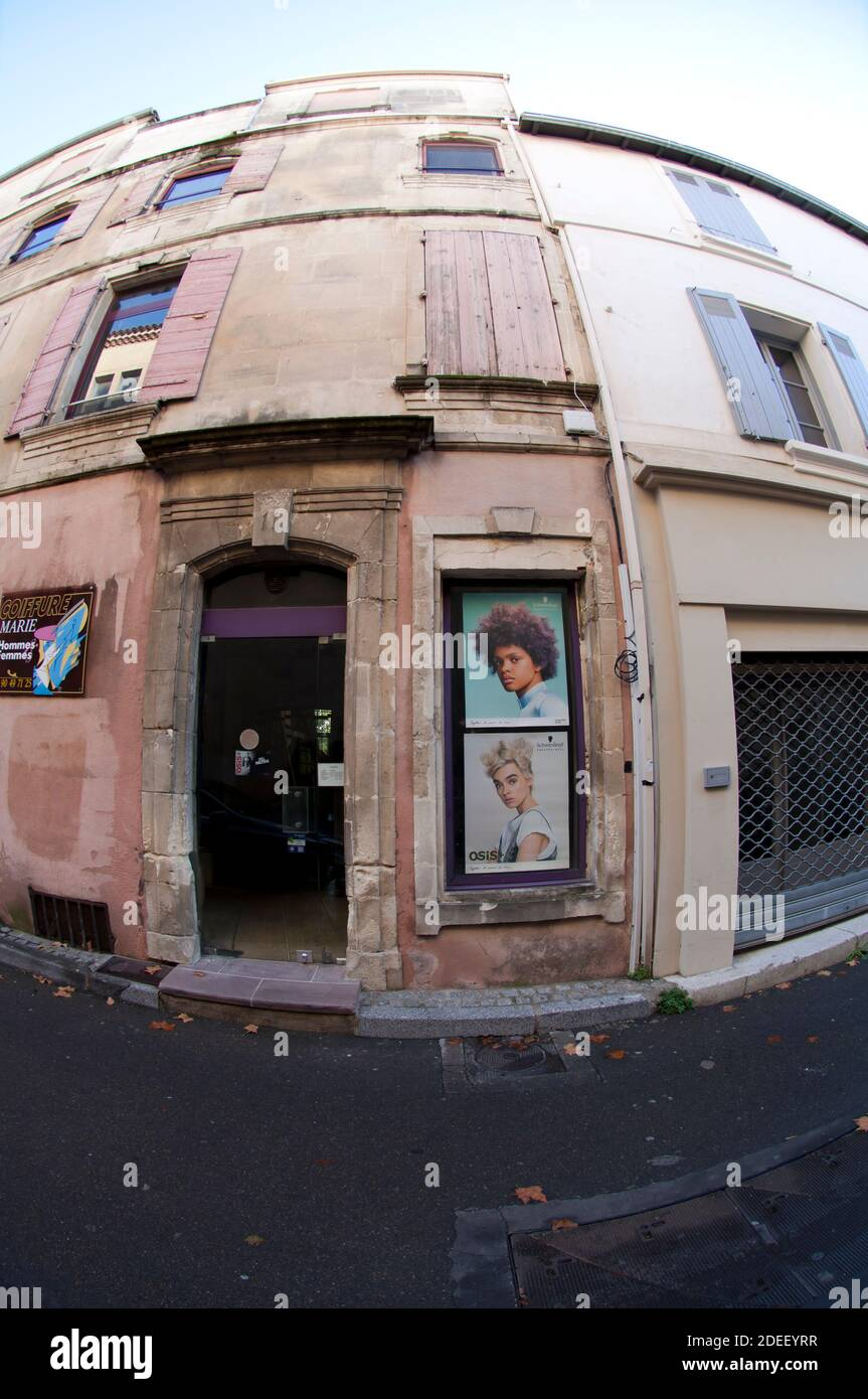 https www alamy com arles salon hairdresser in the quartier arabe bouches du rhne provence alpes cte dazur france image387562443 html