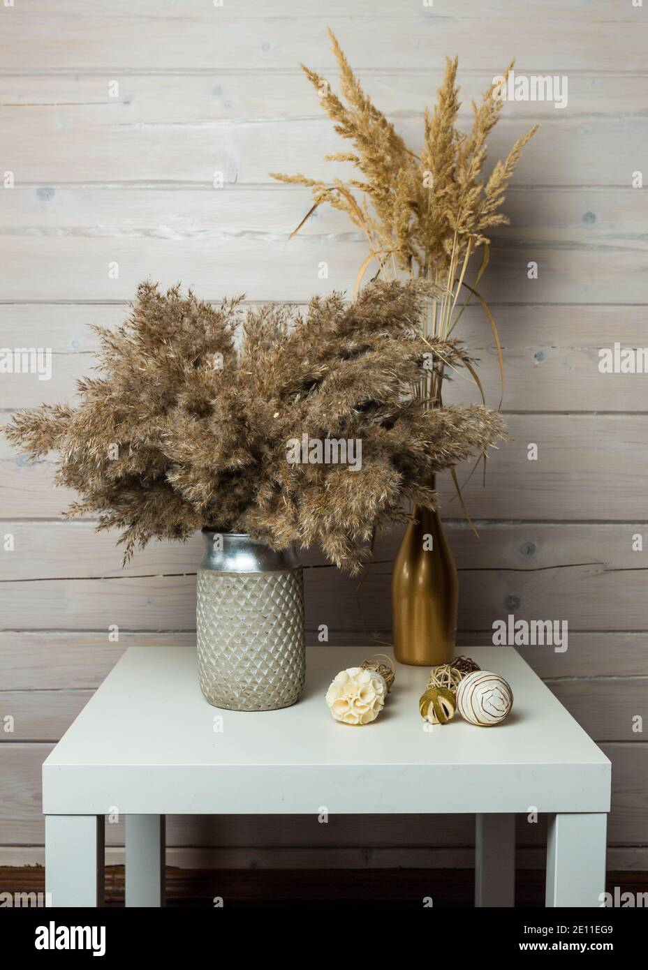 https www alamy com stylish modern dried pampas grass arrangement in a ceramic vase art deco boho gift for anniversary birthday mothers day image396486505 html