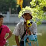 Chinese Tour Guide High Resolution Stock Photography And Images Alamy