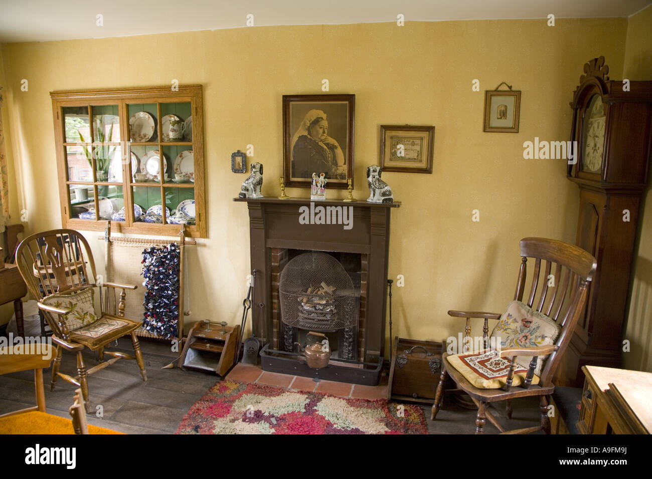 Victorian Farmhouse Living Room Stock Photo 12353261 Alamy