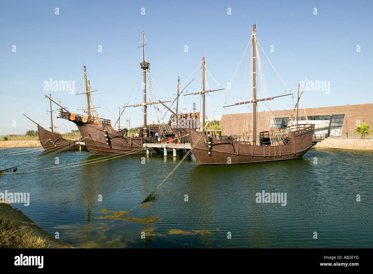 Full Size Replicas Of Christopher Columbus Ships The Santa