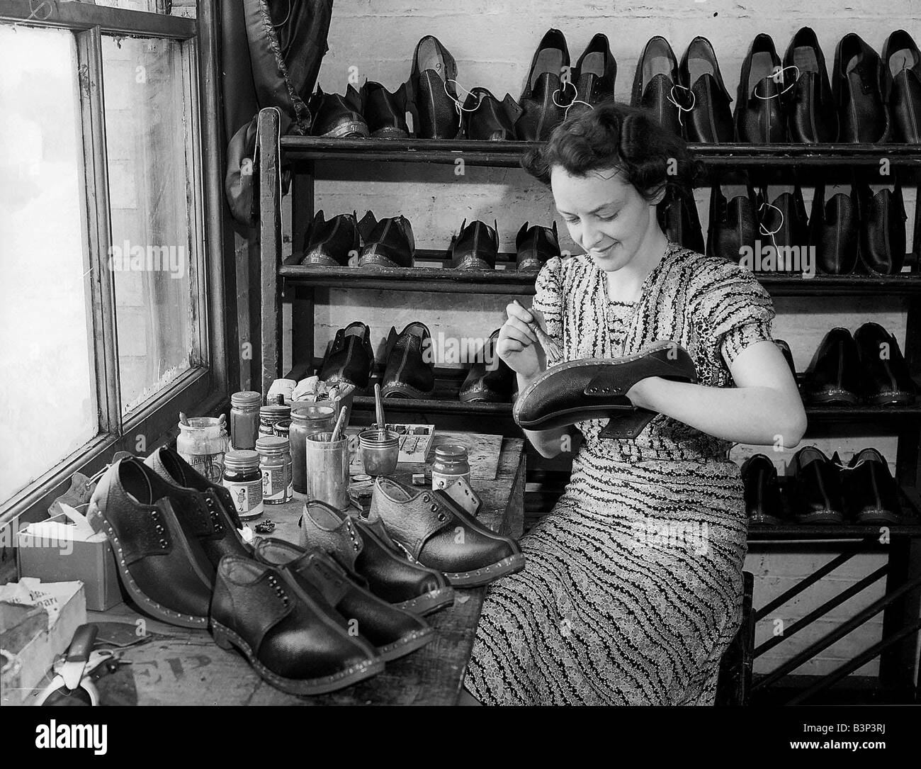 Woman Shoe Maker Women Doing Mens Jobs During The War