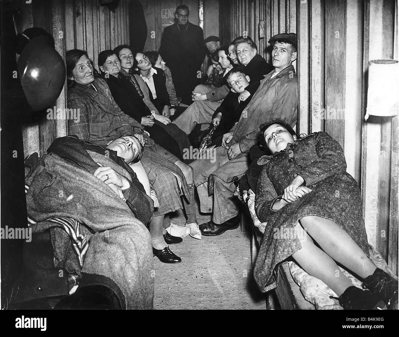 Ww2 People Sheltering In Air Raid Shelter Oct 40 First Two