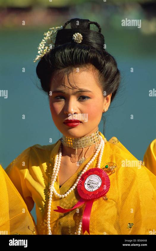 Myanmar Traditional Dress Stock Photos & Myanmar ...