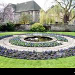 Circular Flower Bed High Resolution Stock Photography And Images Alamy