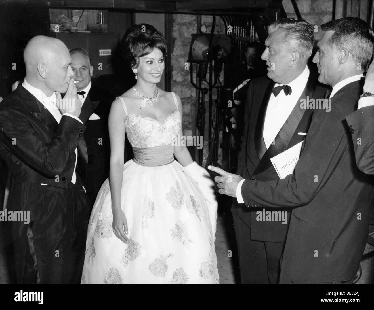 Sophia Loren Yul Brynner Cary Grant And Jacques Tati At