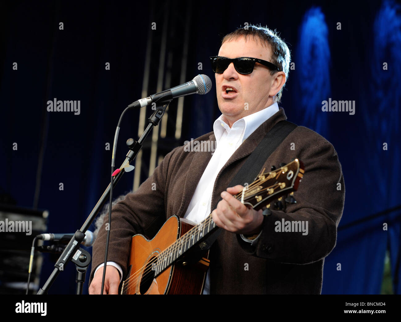 Squeeze Band Stock Photos Amp Squeeze Band Stock Images Alamy