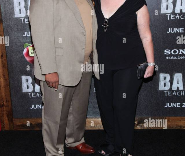 Leslie David Baker And Phyllis Smith At Arrivals For Bad Teacher Premiere The Ziegfeld Theatre New York Ny June 20 2011 Photo By Andres Otero Everett