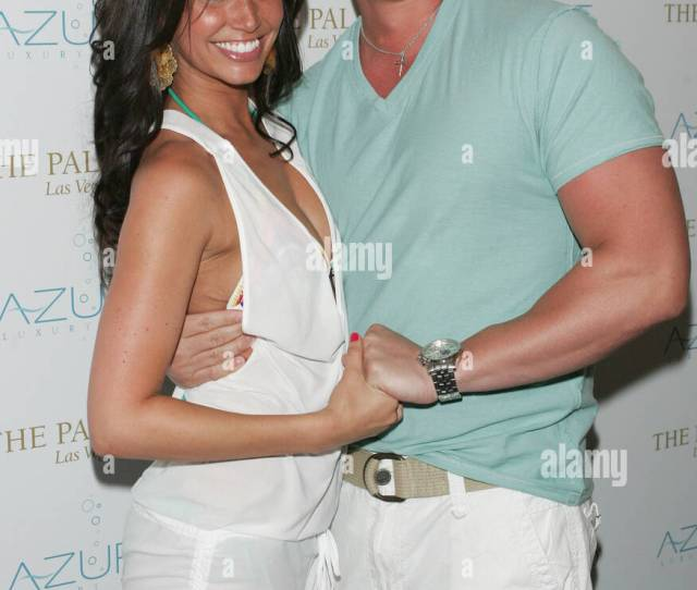 Melissa Rycroft Tye Strickland In Attendance For Memorial Day Weekend Party At Azure The Palazzo Resort Hotel Casino Las Vegas Nv May 29 2011