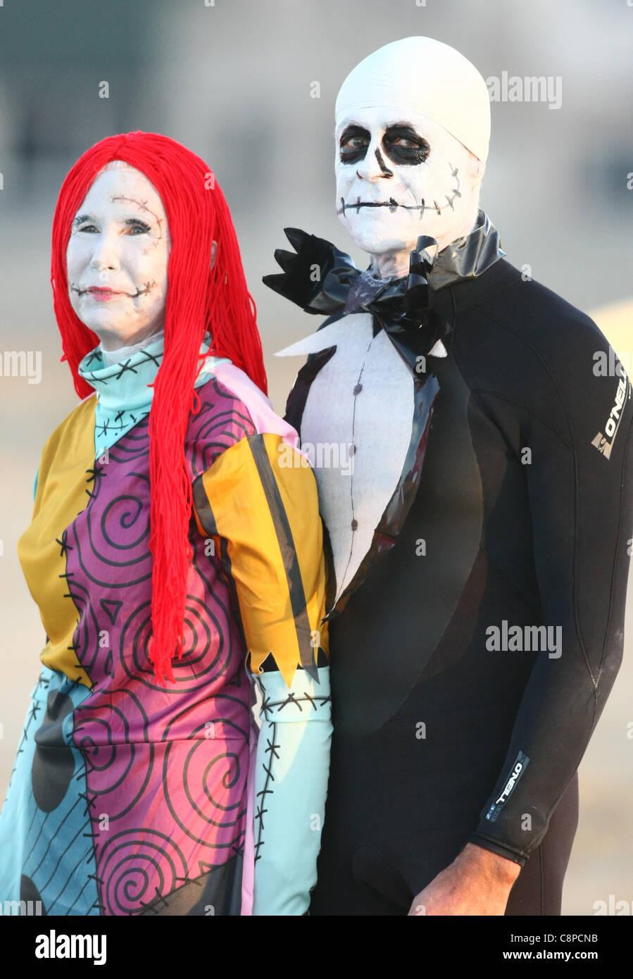Nightmare Before Christmas Halloween Couple Costumes | www ...