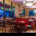 Paris France Paris Cafe Bistro Restaurant Cafe Le Bistro In The Stock Photo Alamy