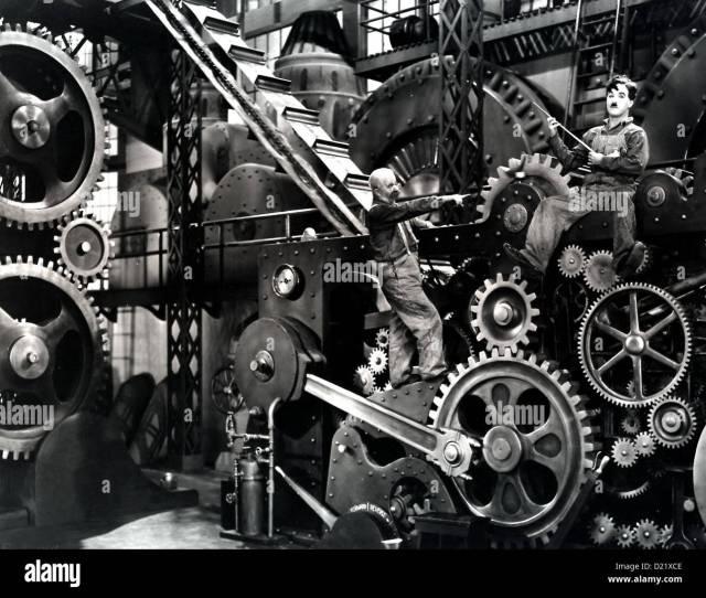 Moderne Zeiten Modern Times Charles Chaplin In Seinem Job Geraet Charlie Charles Chaplin R