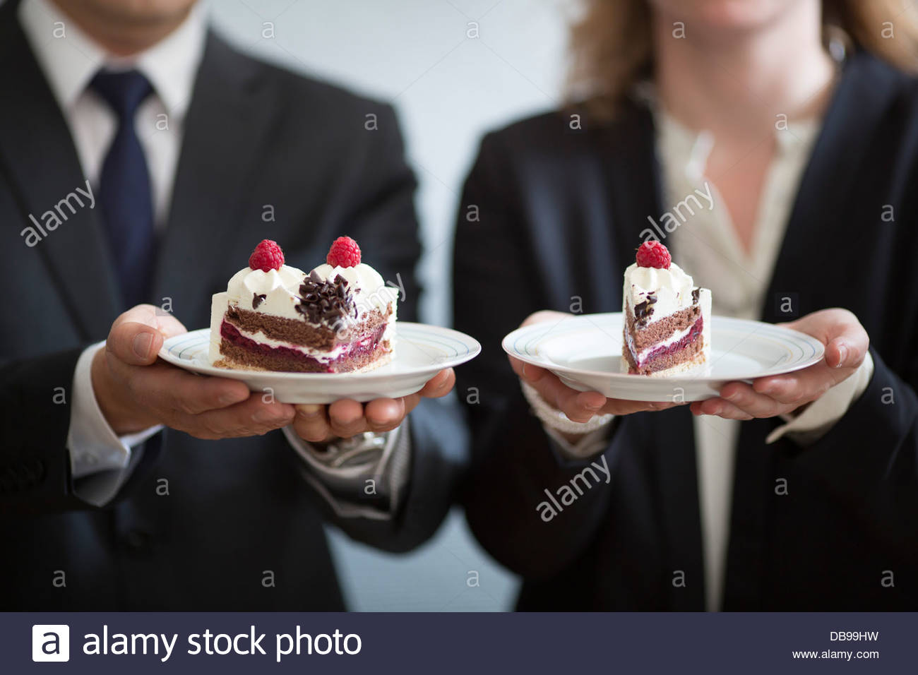 Permanent Records In Performance Plates Of Cake & Plates Of Cake - The Best Cake Of 2018