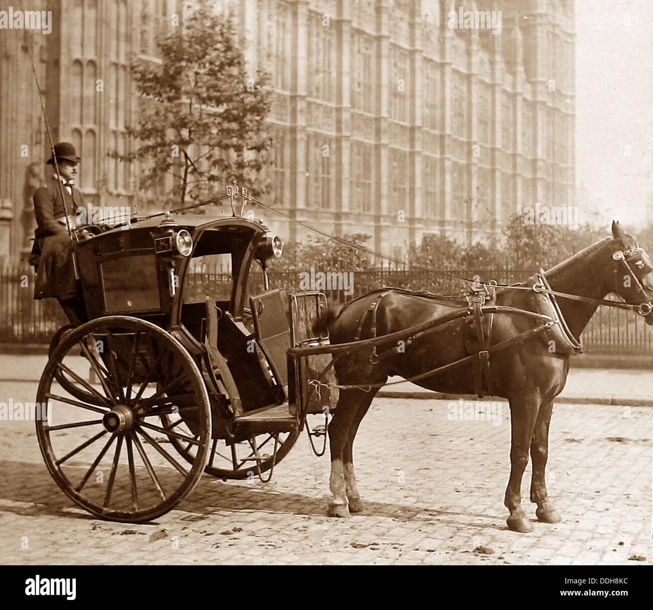https://i2.wp.com/c8.alamy.com/comp/DDH8KC/london-hansom-cab-victorian-period-DDH8KC.jpg