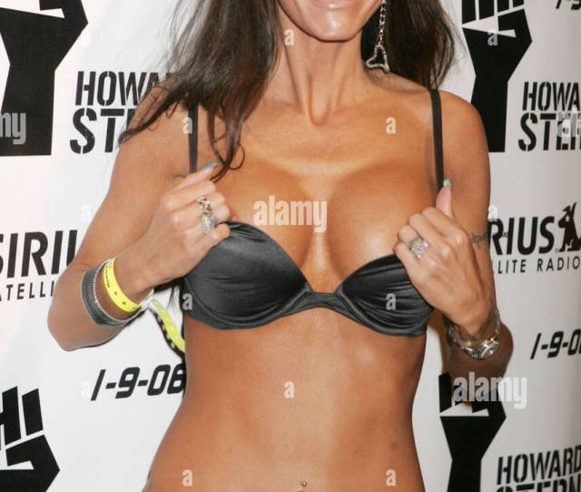 Dec 16 2005 New York Ny Usa Howard Stern Frequent Guest Pornstar Tabitha Stevens At The Luncheon To Celebrate Howard Sterns Last Day On Terrestrial