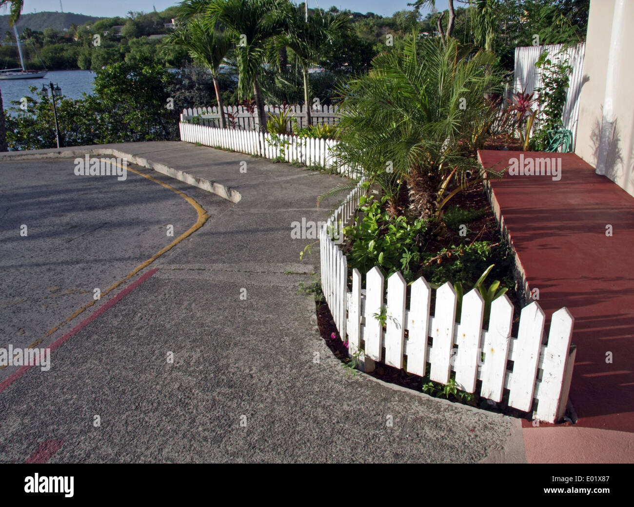 Picket Fences Stock Photos & Picket Fences Stock Images