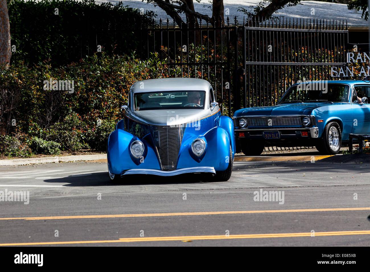 White 1941 Oldsmobile 98 Ninety Eight