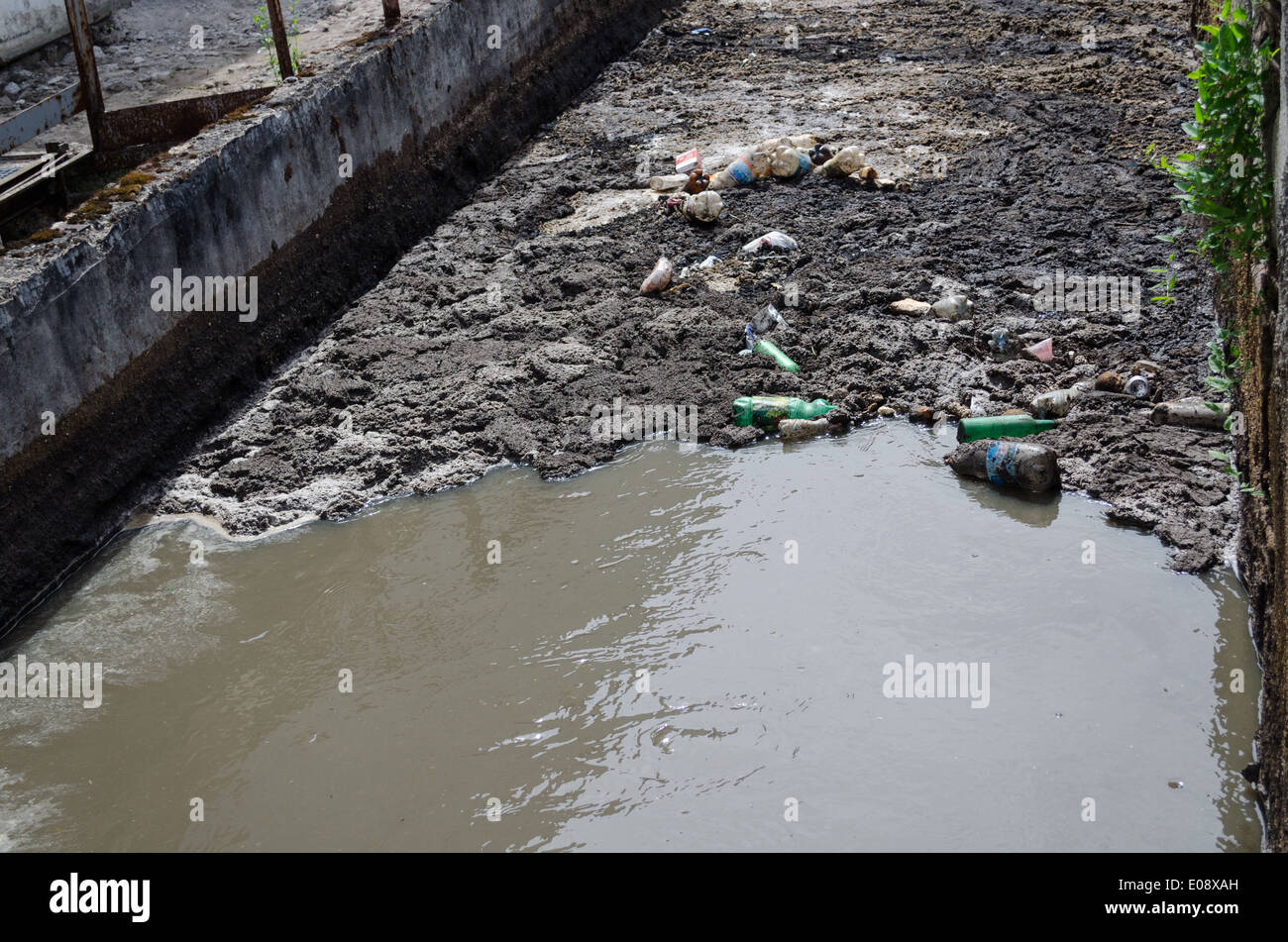 City Waste Water Garbage Flow Stock Photos Amp City Waste Water Garbage Flow Stock Images