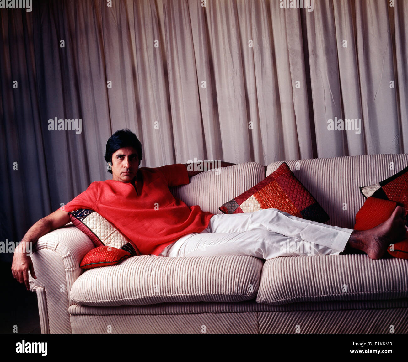 Image result for amitabh barefoot