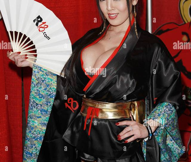 Pornstar Hitomi Tanaka Attends The  Avn Adult Entertainment Expo Opening Day At The Hard Rock Hotel Casino On January