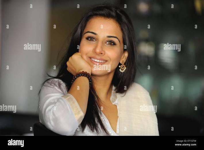 bollywood actress stock photos & bollywood actress stock images - alamy