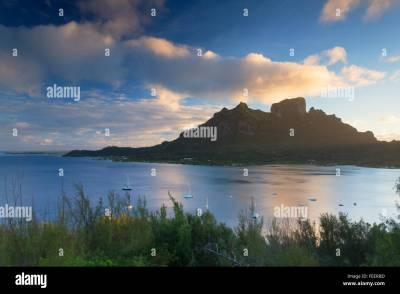 View of Mount Otemanu, Bora Bora, Society Islands, French ...