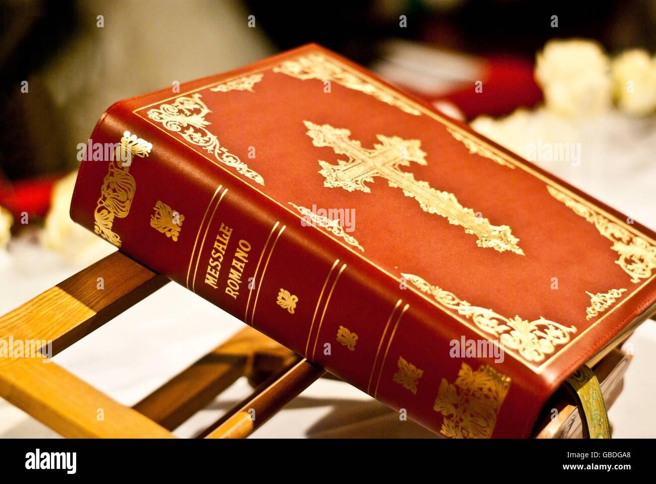 Bible On Church Lectern Stock Photos Amp Bible On Church Lectern Stock Images