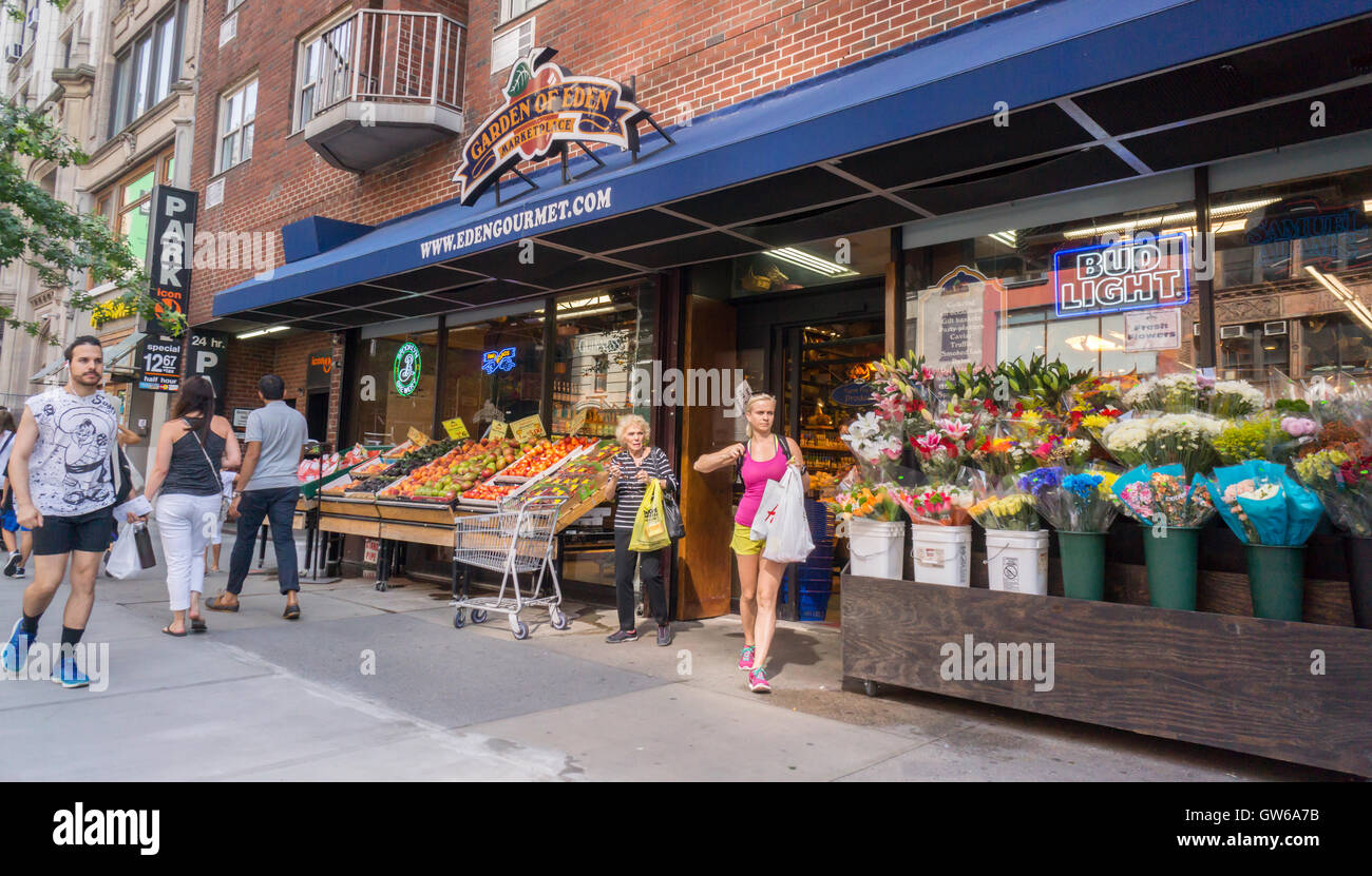 https www alamy com stock photo a store of the local supermarket chain garden of eden in new york 118768367 html