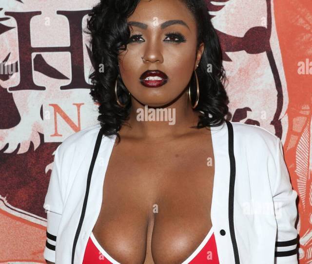 Adult Film Star Skin Diamond Performs At Headquarters Gentlemens Club Featuring Ms Layton Benton Where