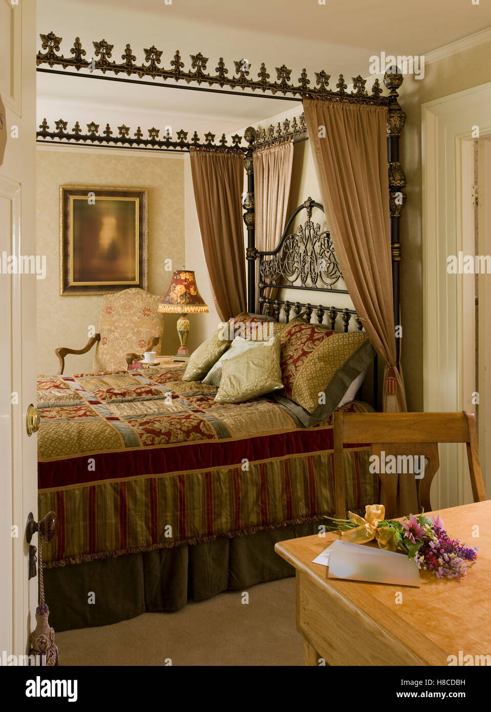 https www alamy com stock photo ornate four poster bed with curtains 125663765 html