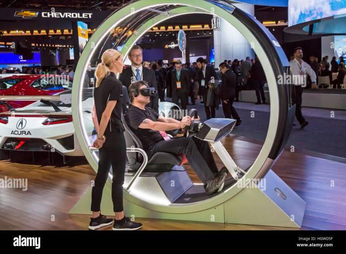 automobile driving simulator stock photos & automobile driving