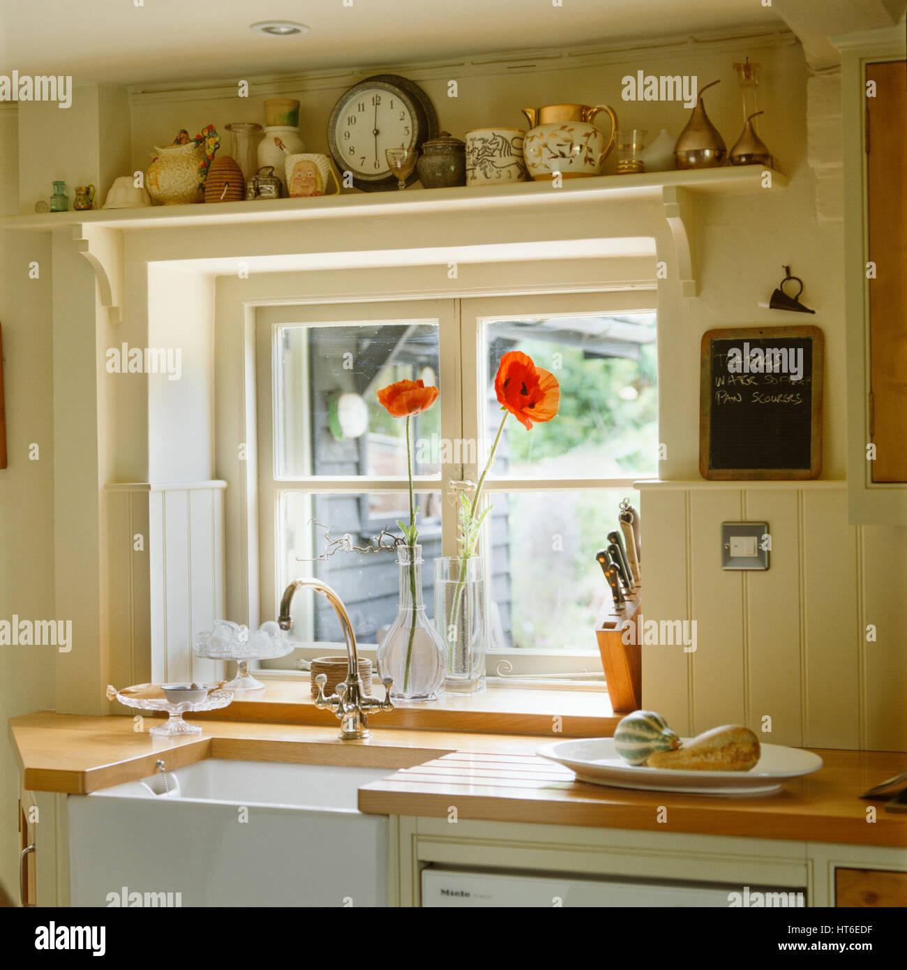 https www alamy com stock photo kitchen sink 135367387 html