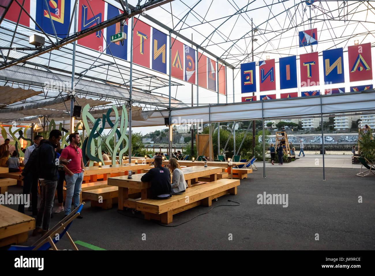 https www alamy com nantes restaurant la cantine du voyage image150192014 html