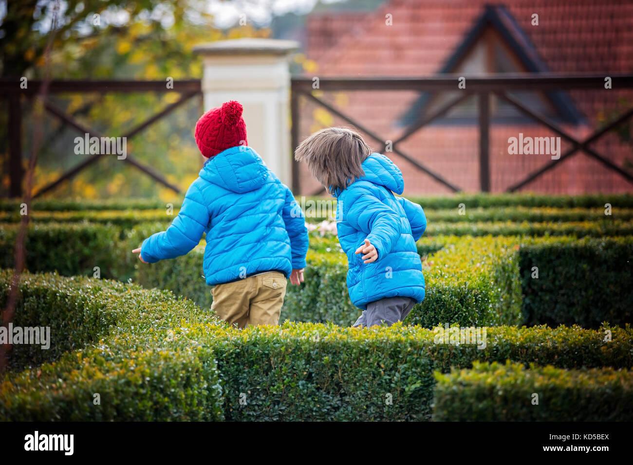 Labyrinth Kids Maze Stock Photos Amp Labyrinth Kids Maze