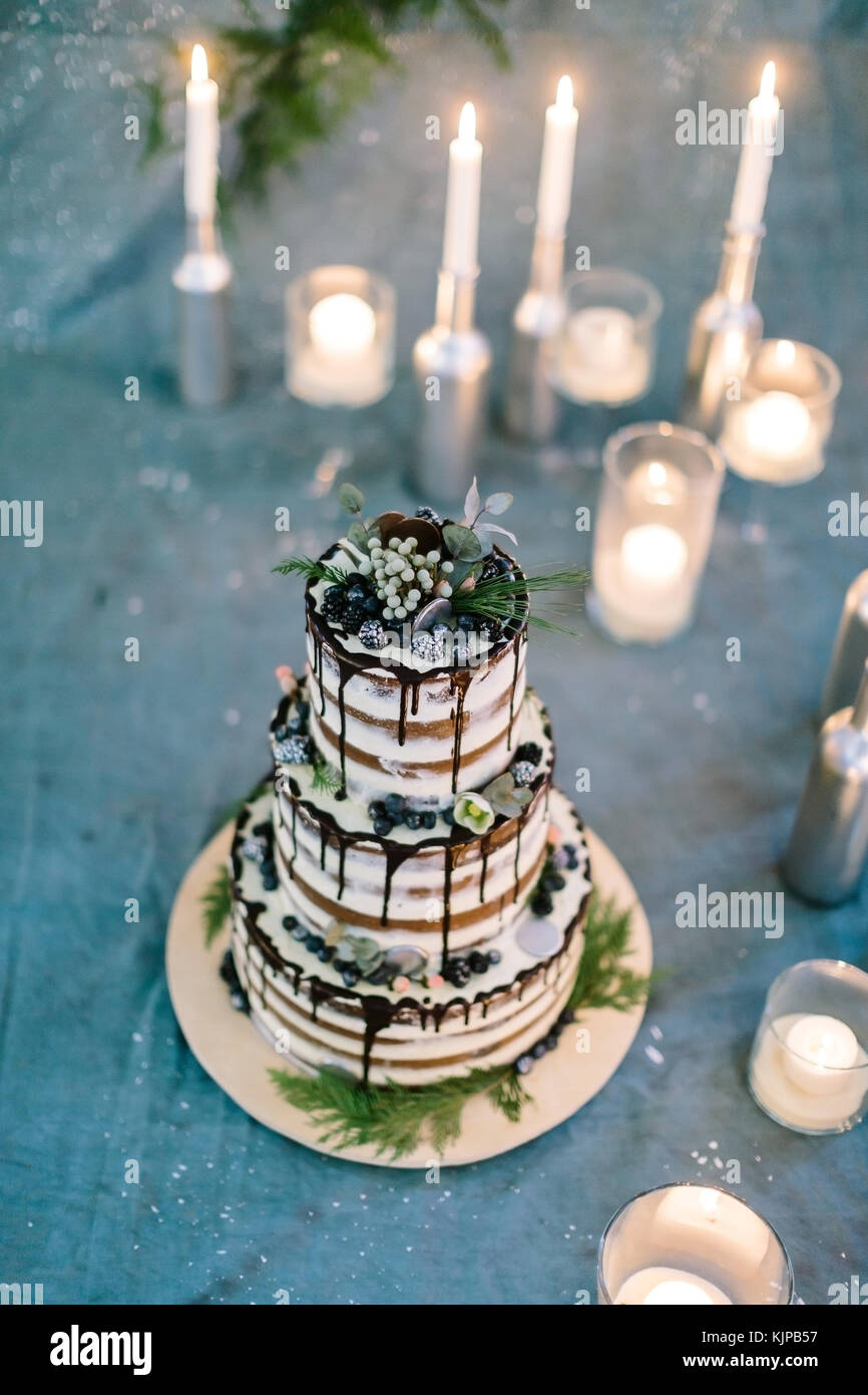 Three Tier Cake High Resolution Stock Photography And Images Alamy