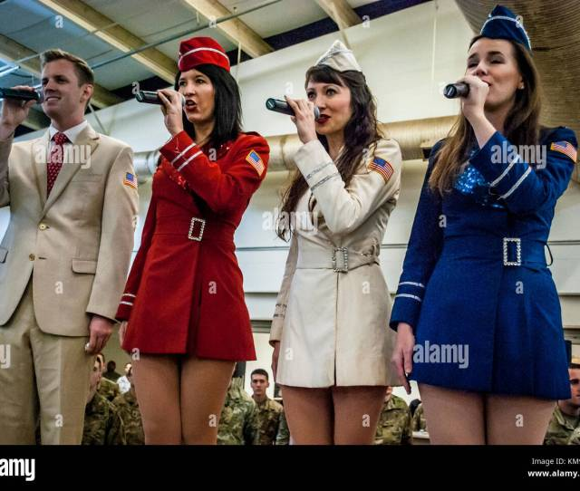 Brandon Riddle Zoe Friedman Amanda Downey And Erin Long Members Of The New York City Based Uso Show Troupe Sing The National Anthem Prior To The