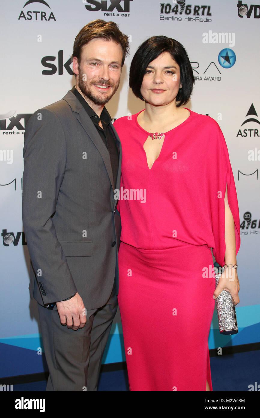 https www alamy com stock photo andreas pietschmann and jasmin tabatabai mira award 2015 station berlin 173886600 html